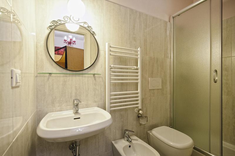 Arredare bagni piccolissimi si32 regardsdefemmes - Bagno piccolissimo soluzioni ...