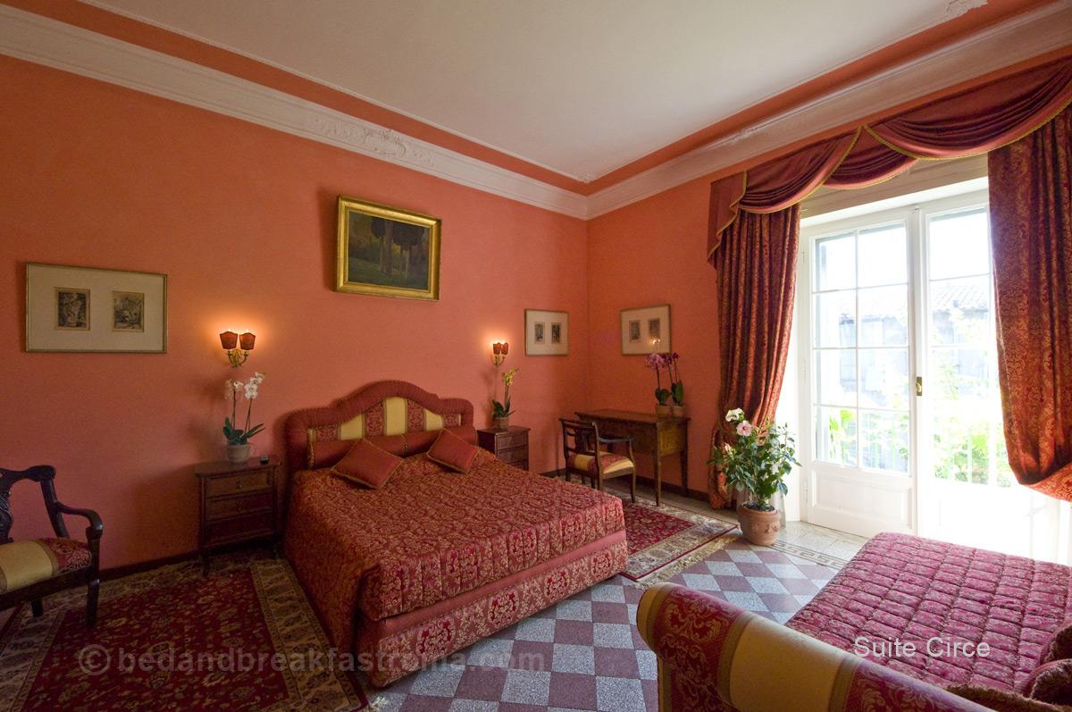 Camera Da Letto Con Pareti Rosa : Idee camere da letto rosa: camera da letto con pareti rosa